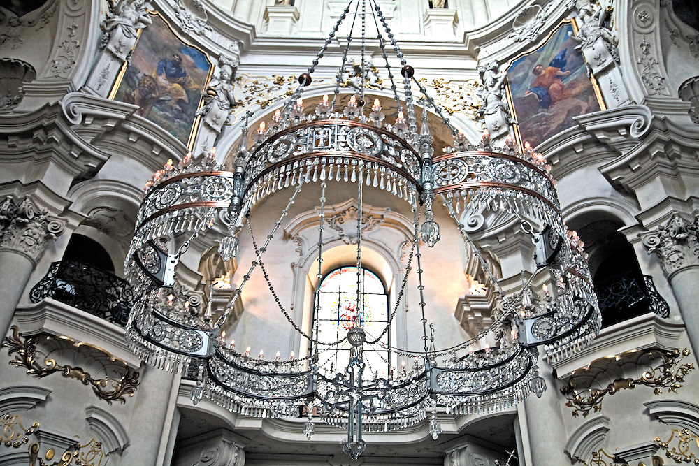 Prague, Czech Republic: A magnificent crystal and bronze chandelier, weighing 1,400 kg and designed to resemble a czar's crown, dominates the rear portion of baroque St. Nicholas Church.  It was presented to the church by Czar Nicholas. This is one of the oldest churches in Prague, parts of it dating from 1273.