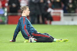 19.02.2014, Emirates Stadion, London, ESP, UEFA CL, FC Arsenal vs FC Bayern Muenchen, Achtelfinale, im Bild Manuel NEUER #1 (FC Bayern Muenchen) beim warm up // during the UEFA Champions League Round of 16 match between FC Arsenal and FC Bayern Munich at the Emirates Stadion in London, Great Britain on 2014/02/19. EXPA Pictures © 2014, PhotoCredit: EXPA/ Eibner-Pressefoto/ Kolbert<br /> <br /> *****ATTENTION - OUT of GER*****