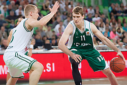 Zoran Dragic of Krka & Sasu Salin of Union Olimpija during basketball match between KK Union Olimpija and KK Krka in 4nd Final match of Telemach Slovenian Champion League 2011/12, on May 24, 2012 in Arena Stozice, Ljubljana, Slovenia.  (Photo by Grega Valancic / Sportida.com)