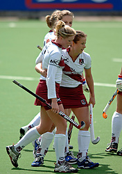08-05-2005 HOCHEY: AMSTERDAM-ROTTERDAM: AMSTELVEEN<br /> Amsterdam wint met 3-0 van Rotterdam - Silvia Karres en Miek van Geenhuizen<br /> ©2005-WWW.FOTOHOOGENDOORN.NL