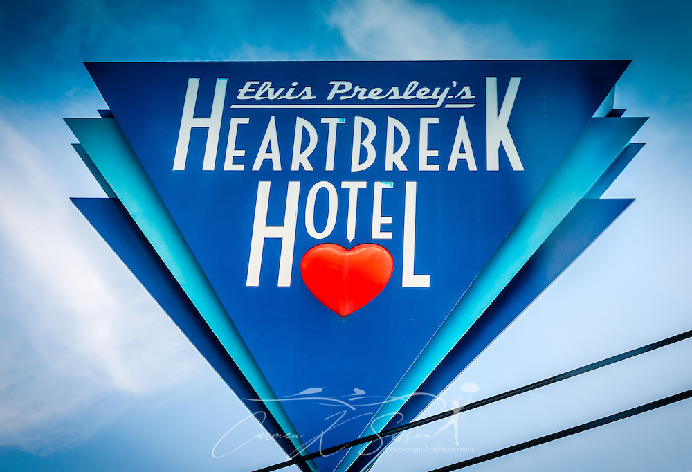 A sign advertises Elvis Presley's Heartbreak Hotel on Elvis Presley Boulevard in Memphis, Tennessee, Sept. 4, 2015. Elvis Presley Enterpises purchased the hotel in 1999. A new $75 million hotel is expected to open in 2015, and the old hotel, located near Graceland, is slated for demolition. The hotel is named for the famous Presley song, which was released in 1956 and earned him his first gold record. (Photo by Carmen K. Sisson/Cloudybright)