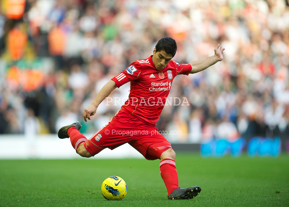 LIVERPOOL, ENGLAND - Saturday, November 5, 2011: Liverpool's Luis Alberto Suarez Diaz in action against Swansea City during the Premiership match at Anfield. (Pic by David Rawcliffe/Propaganda)