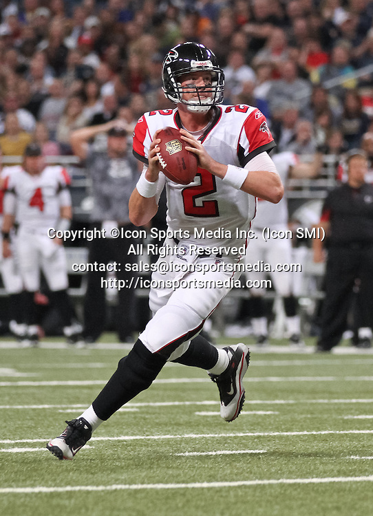 November 21, 2010:  Atlanta Falcons quarterback Matt Ryan (2) gets ready to throw the football in game action.  The Atlanta Falcons defeated the St. Louis Rams by the score of 34-17 at the Edward Jones Dome in St Louis, MO.