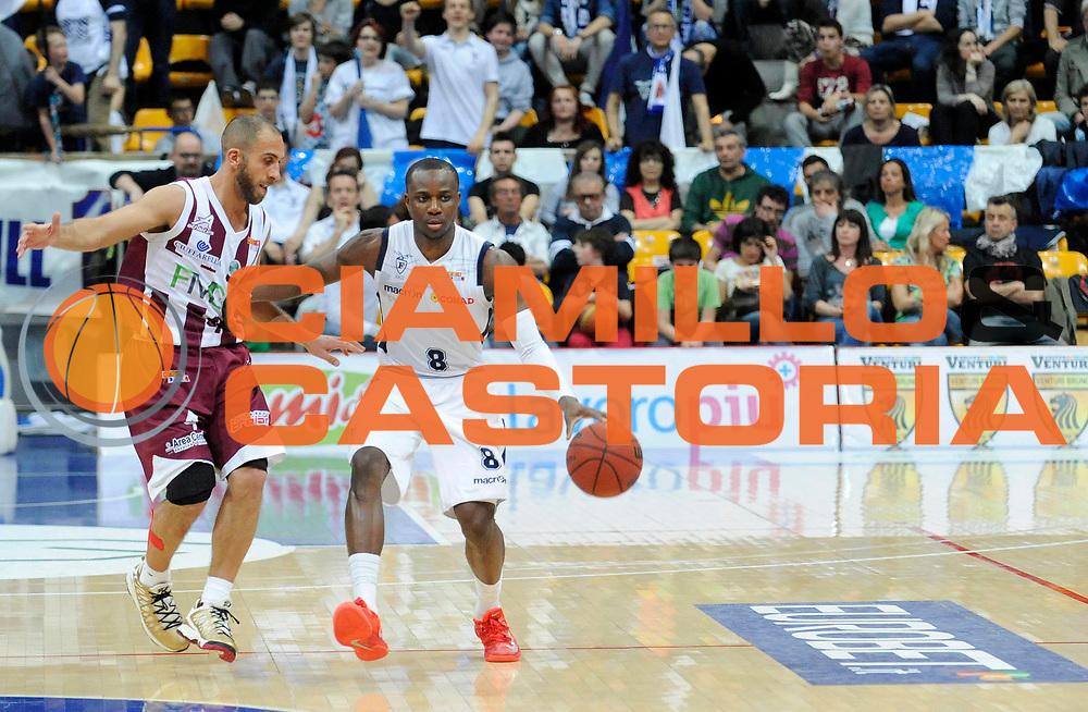 DESCRIZIONE : Bologna LegaDue  2012-13 BiancoBlu' Bologna FMC Ferentino<br /> GIOCATORE : David Cournooh<br /> SQUADRA : BiancoBlu' Bologna <br /> EVENTO : Campionato LegaDue  2012-2013<br /> GARA :  BiancoBlu' Bologna FMC Ferentino<br /> DATA : 05/05/2013<br /> CATEGORIA : Palleggio<br /> SPORT : Pallacanestro<br /> AUTORE : Agenzia Ciamillo-Castoria/A.Giberti<br /> Galleria : LegaDue Basket 2012-2013<br /> Fotonotizia : Bologna LegaDue  2012-13 BiancoBlu' Bologna FMC Ferentino<br /> Predefinita :