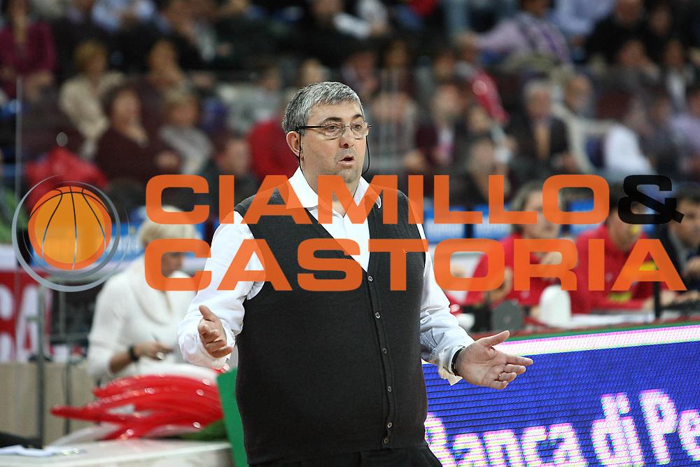 DESCRIZIONE : Pesaro Lega A 2010-11 Scavolini Siviglia Pesaro Fabi Montegranaro<br /> GIOCATORE : Stefano Pillastrini<br /> SQUADRA : Fabi Montegranaro<br /> EVENTO : Campionato Lega A 2010-2011<br /> GARA : Scavolini Siviglia Pesaro Fabi Montegranaro<br /> DATA : 25/12/2010<br /> CATEGORIA : coach<br /> SPORT : Pallacanestro<br /> AUTORE : Agenzia Ciamillo-Castoria/C.De Massis<br /> Galleria : Lega Basket A 2010-2011<br /> Fotonotizia : Pesaro Lega A 2010-11 Scavolini Siviglia Pesaro Fabi Montegranaro<br /> Predefinita :