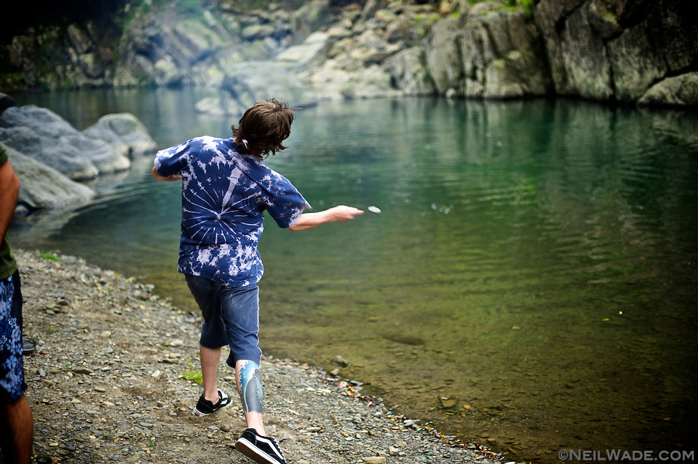 Skipping stones in a river near Wulai, Taiwan.