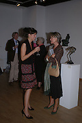 Georgina Anstruther-Gough-Calthorpe and Bridget Barnaby. Bronze Sculpture by Georgiana Anstruther-Gough-Calthorpe. Air Gallery. Dover St. London. 27 September 2005. ONE TIME USE ONLY - DO NOT ARCHIVE © Copyright Photograph by Dafydd Jones 66 Stockwell Park Rd. London SW9 0DA Tel 020 7733 0108 www.dafjones.com