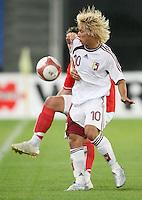 Fussball International Laenderspiel Oesterreich - Venezuela  Venezuelas Jesus Gomez
