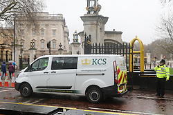 © Licensed to London News Pictures. 09/04/2018. London, UK. Police at the scene after an abandoned van was found near Buckingham Palace. Major police activity was seen as a large cordon was put in place. A man was arrested nearby. Photo credit: Peter Macdiarmid/LNP