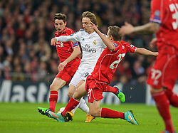 MADRID, SPAIN - Tuesday, November 4, 2014: Real Madrid's Luka Modric in action against Liverpool during the UEFA Champions League Group B match at the Estadio Santiago Bernabeu. (Pic by David Rawcliffe/Propaganda)