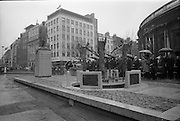 16/04/1966<br /> 04/16/1966<br /> 16 April 1966<br /> Unveiling of Thomas Davis Memorial at College Green, Dublin. The design by Irish sculptor Edward Delaney took the form of a statue fronted by a futuristic fountain on a cobblestone plinth. Picture shows President Eamon de Valera unveiling the monument.