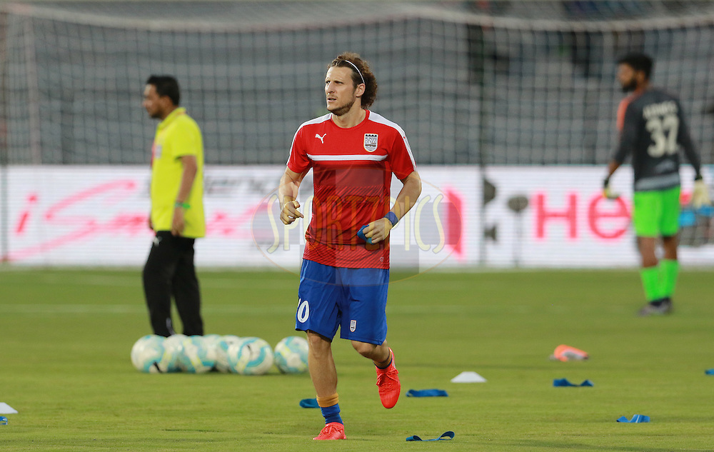 Diego Forlan of Mumbai City FC warm up before the start of the match 7 of the Indian Super League (ISL) season 3 between Mumbai City FC and NorthEast United FC held at the Mumbai Football Arena in Mumbai, India on the 7th October 2016.<br /> <br /> Photo by Vipin Pawar / ISL/ SPORTZPICS