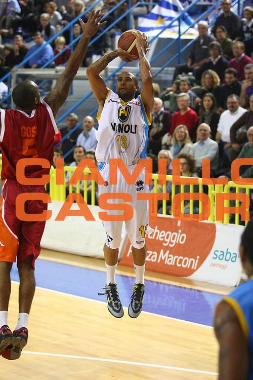 DESCRIZIONE : Cremona Lega A 2012-2013 Vanoli Cremona Acea Roma<br /> GIOCATORE : Jarrius Jackson<br /> SQUADRA : Vanoli Cremona<br /> EVENTO : Campionato Lega A 2012-2013<br /> GARA : Vanoli Cremona Acea Roma<br /> DATA : 04/11/2012<br /> CATEGORIA : Tiro<br /> SPORT : Pallacanestro<br /> AUTORE : Agenzia Ciamillo-Castoria/F.Zovadelli<br /> GALLERIA : Lega Basket A 2012-2013<br /> FOTONOTIZIA : Cremona Campionato Italiano Lega A 2012-13 Vanoli Cremona Acea Roma<br /> PREDEFINITA :