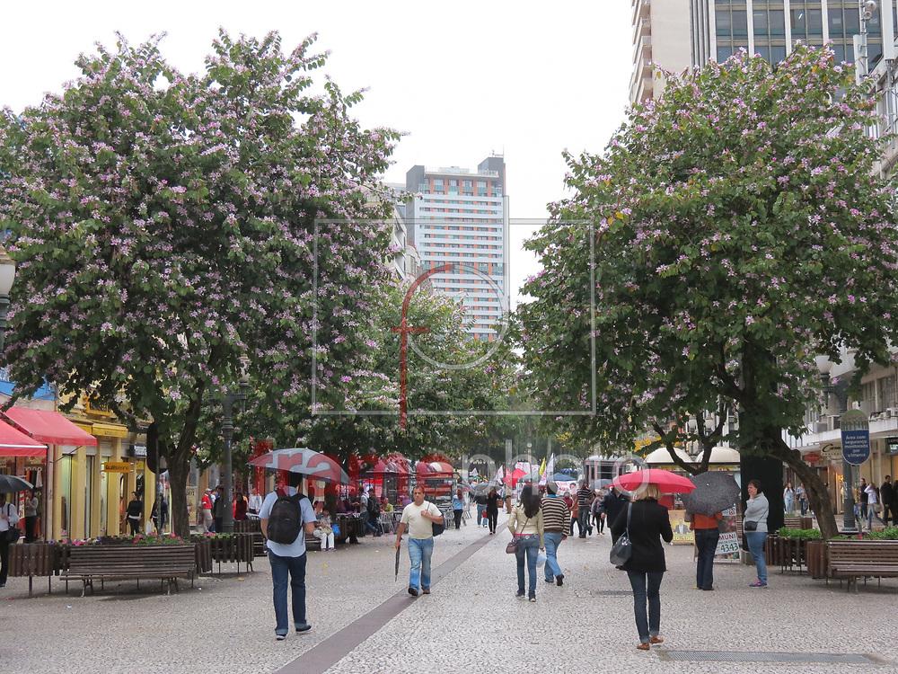Curitiba(PR) 18/09/2014 Associação Comercial do Paraná e o  Impostômetro da capital, localizado no calçadão da XV de Novembro. Foto: Gisele Pimenta/ Frame