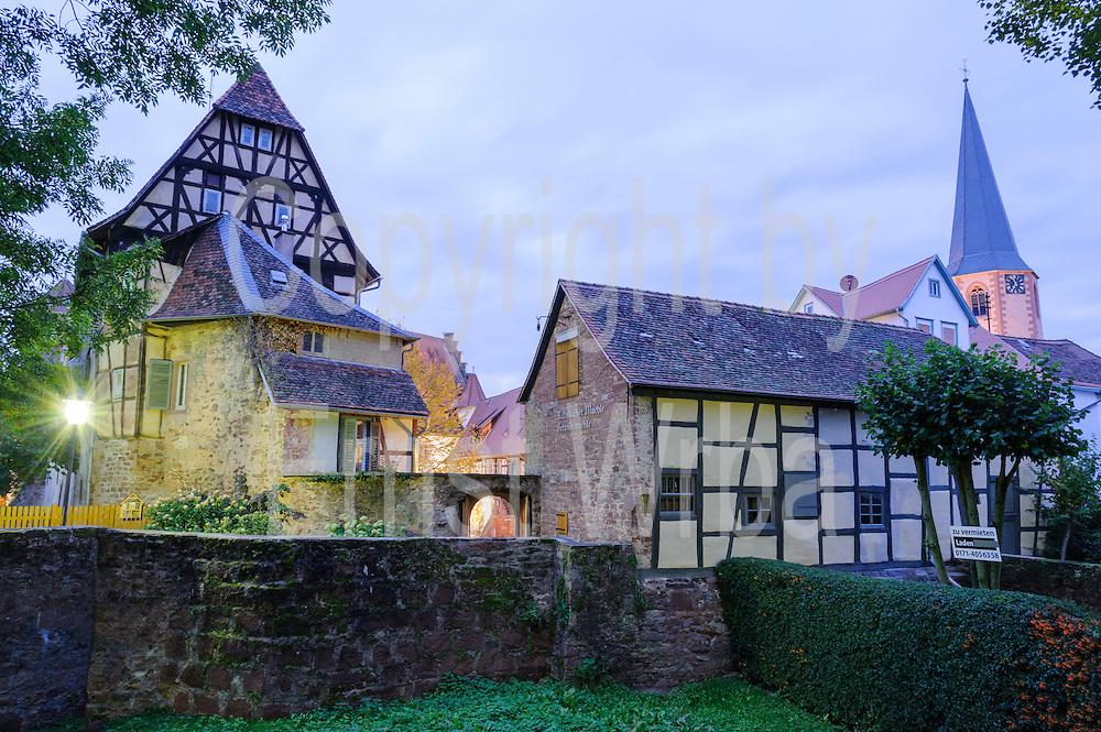 Kellerei (Burg), Dämmerung, Michelstadt, Odenwald, Naturpark Bergstraße-Odenwald, Hessen, Deutschland | Kellerei (castle), dusk, Michelstadt, Odenwald, Hesse, Germany
