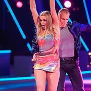NLD/Hilversum/20130126 - 5e Liveshow Sterren Dansen op het IJs 2013, Gaby Blaaser en schaatspartner Benoit Richaud