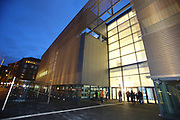 Mannheim. 15.12.17 |<br /> Kunsthalle. Neubau. Nachtaufnahmen von Aussen mit der Mesh-Fassade. Eröffnung<br /> <br /> Bild-ID 022 | Markus Proßwitz 15DEC17 / masterpress