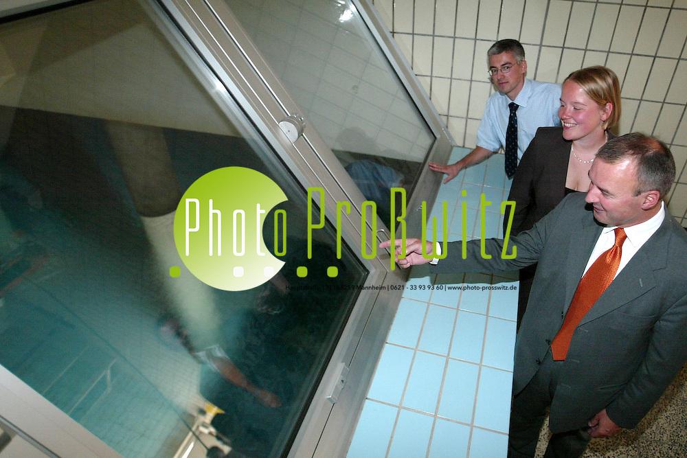 Mannheim. Rheinau Wasserwerk. &Uuml;berpr&uuml;fung der Wasserqualit&auml;t<br /> <br /> Bild: Markus Pro&szlig;witz