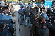 Roma 28 Novembre 2011.Inaugurata la nuova Stazione Tiburtina dell'alta velocità.. I poliziotti fermano i  manifestanti No Tav...