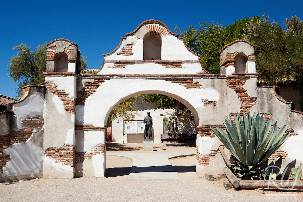 Junipero Serra Statue Framed by Arch, Mission San Miguel Arcangel, California