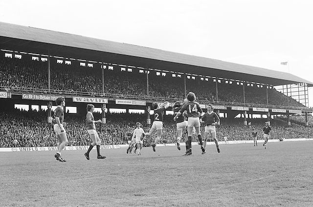 Players jump in an attempt to gain the ball during the All Ireland Senior Gaelic Football Championship Final Dublin V Galway at Croke Park on the 22nd September 1974. Dublin 0-14 Galway 1-06.