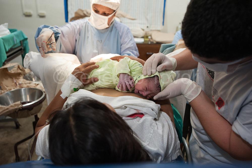 A birth into the  Santa Clotilde clinic
