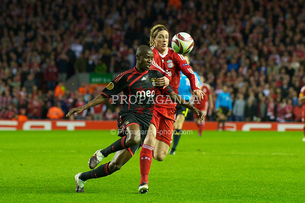 LIVERPOOL, ENGLAND - Thursday, April 8, 2010: Liverpool's Fernando Torres and Sport Lisboa e Benfica's Ramires during the UEFA Europa League Quarter-Final 2nd Leg match at Anfield. (Photo by: David Rawcliffe/Propaganda)
