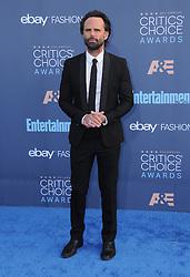 Walton Goggins  bei der Verleihung der 22. Critics' Choice Awards in Los Angeles / 111216
