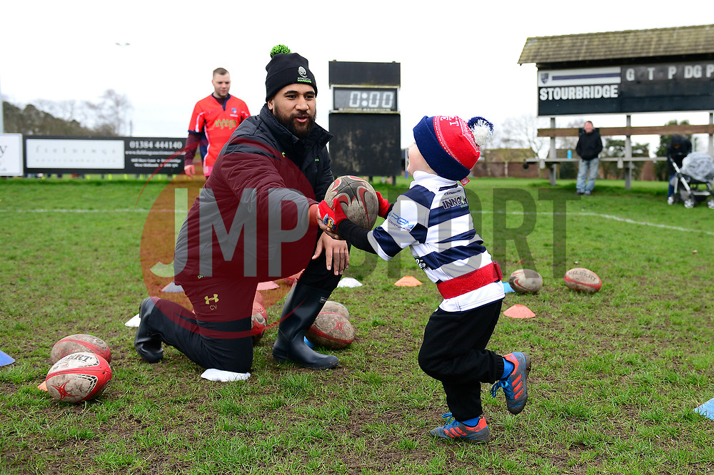 Cooper Vuna and Worcester Warriors players and community coaches deliver coaching sessions at Stourbridge RFC  - Mandatory by-line: Dougie Allward/JMP - 19/03/2017 - Rugby - Stourbridge RFC - Stourbridge, England - Worcester Warriors Community Rugby