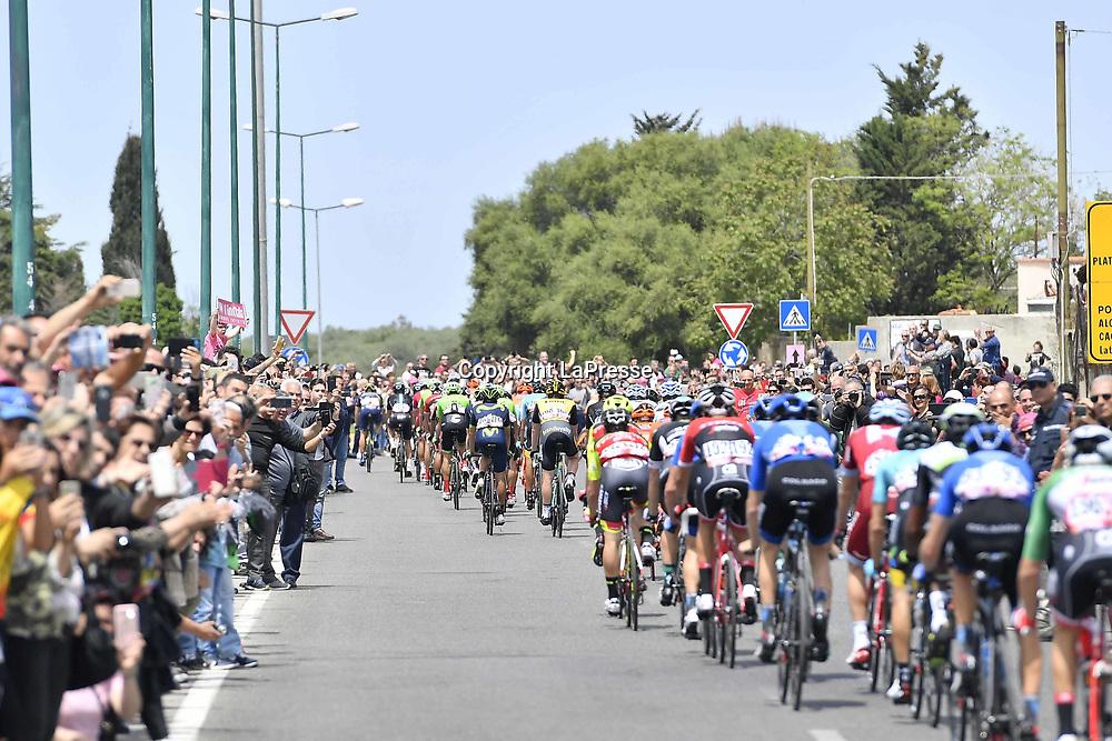 Foto LaPresse - Fabio Ferrari<br /> 05/05/2017 Alghero, Sassari  (Italia)<br /> Sport Ciclismo<br /> Giro d'Italia 2017 - 100a edizione -  Tappa 1 - da Alghero a Olbia -  206 km ( 128 miglia )<br /> Nella foto:durante la gara<br /> <br /> Photo LaPresse - Fabio Ferrari<br /> 05/05/2017 Alghero, Sassari ( Italy ) <br /> Sport Cycling<br /> Giro d'Italia 2017 - 100th edition -  Stage 1 -   Alghero to Olbia -  206 km ( 128 miles )<br /> In the pic:during the race