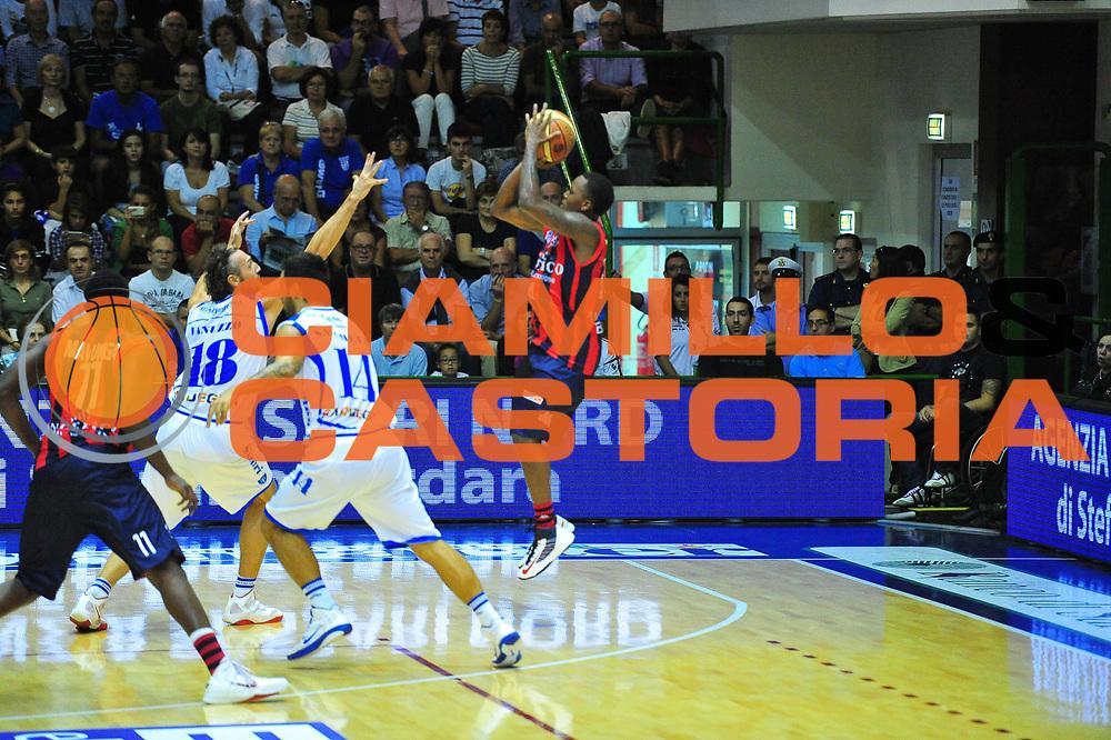 DESCRIZIONE : Sassari Lega A 2012-13 Dinamo Sassari Angelico Biella<br /> GIOCATORE : Robinson Russel<br /> CATEGORIA : Tiro<br /> SQUADRA : Angelico Biella<br /> EVENTO : Campionato Lega A 2012-2013 <br /> GARA : Dinamo Sassari Angelico Biella<br /> DATA : 30/09/2012<br /> SPORT : Pallacanestro <br /> AUTORE : Agenzia Ciamillo-Castoria/M.Turrini<br /> Galleria : Lega Basket A 2012-2013  <br /> Fotonotizia : Sassari Lega A 2012-13 Dinamo Sassari Angelico Biella<br /> Predefinita :