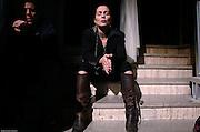 Milano, culto alla domenica per il ministero di Sabaoth al teatro delle erbe , la preghiera collettiva accompagnata da musiche e canti. , suona Julim Barbosa con il gruppo di lode