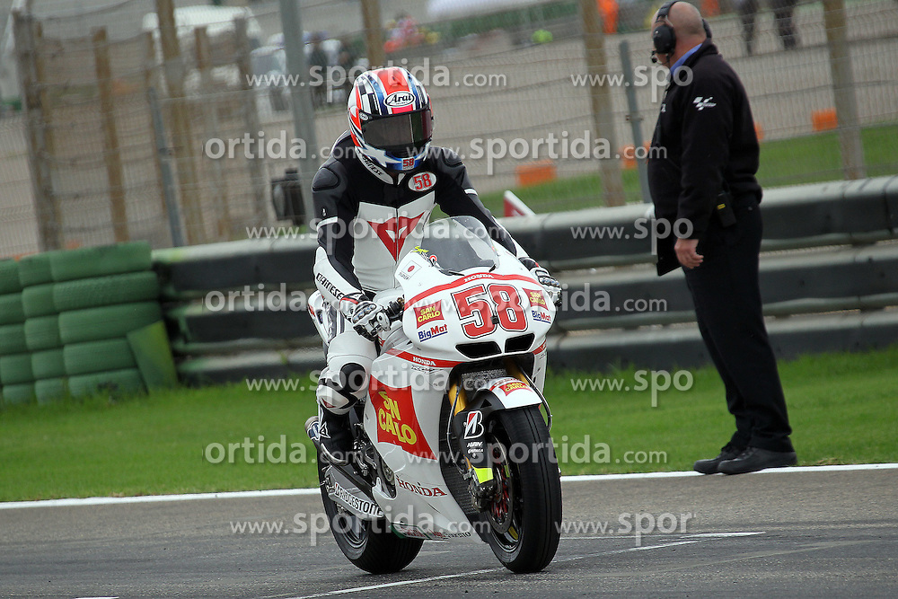 06.11.2011, Circuito de la Comunitat Valenciana, ESP, MotoGP, GP Generali de la Comunitat Valenciana, im Bild Marco Simoncelli ceremony // before MotoGP race at 'Circuito de la Comunitat Valenciana', Valencia, Spain on 06/11/2011. EXPA Pictures © 2011, PhotoCredit: EXPA/ InsideFoto/ Semedia +++++ ATTENTION - FOR AUSTRIA/(AUT), SLOVENIA/(SLO), SERBIA/(SRB), CROATIA/(CRO), SWISS/(SUI) and SWEDEN/(SWE) CLIENT ONLY +++++