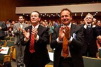 15 JUL 2004, BERLIN/GERMANY:<br /> Franz Muentefering (L), SPD Parteivorsitzender, Frank Bsirske (R), ver.di Vorsitzender,  applaudieren, waehrend einem Festakt zum 100. Geburtstag von Karl Richter, langjähriges aktives Mitglied von Partei und Gewerkschaft, Rathaus Reinickendorf<br /> IMAGE: 20040715-01-037<br /> KEYWORDS: Franz Müntefering, Feier, klatschen, Haende, Hände, Applaus