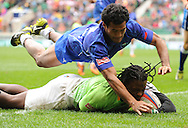 LONDON, ENGLAND - Sunday 11 May 2014, Seabelo Senatla of South Africa score a try during the Plate semi final match between South Africa and Samoa at the Marriott London Sevens rugby tournament being held at Twickenham Rugby Stadium in London as part of the HSBC Sevens World Series.<br /> Photo by Roger Sedres/ImageSA