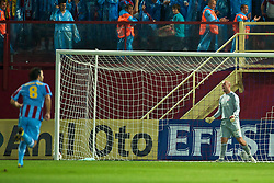 TRABZON, TURKEY - Thursday, August 26, 2010: Liverpool's goalkeeper Pepe Reina looks dejected as Trabzonspor score the opening goal during the UEFA Europa League Play-Off 2nd Leg match at the Huseyin Avni Aker Stadium. (Pic by: David Rawcliffe/Propaganda)