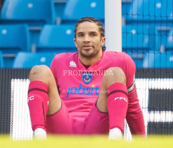 MANCHESTER, ENGLAND - Sunday, January 31, 2010: Portsmouth's David James looks dejected as his side go 1-0 down against Manchester City during the Premiership match at the City of Manchester Stadium. (Photo by David Rawcliffe/Propaganda)