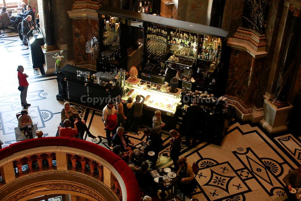 Kunsthistorisches Museum cafe, Vienna, Austria // cafe Kunsthistorisches Museum, Vienne, Autriche