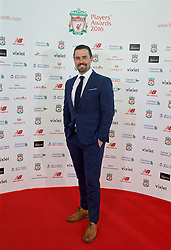 LIVERPOOL, ENGLAND - Thursday, May 12, 2016: Former player David Thompson arrive on the red carpet for the Liverpool FC Players' Awards Dinner 2016 at the Liverpool Arena. (Pic by David Rawcliffe/Propaganda)