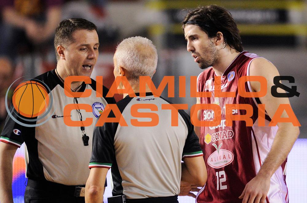 DESCRIZIONE : Roma Lega A 2014-15 <br /> Acea Virtus Roma - Giorgio Tesi Group Pistoia<br /> GIOCATORE : Ariel Folley<br /> CATEGORIA : arbitro arbitri<br /> SQUADRA : Giorgio Tesi Group Pistoia<br /> EVENTO : Campionato Lega A 2014-2015 <br /> GARA : Acea Virtus Roma - Giorgio Tesi Group Pistoia<br /> DATA : 22/03/2015<br /> SPORT : Pallacanestro <br /> AUTORE : Agenzia Ciamillo-Castoria/N. Dalla Mura<br /> Galleria : Lega Basket A 2014-2015  <br /> Fotonotizia : Roma Lega A 2014-15 Acea Virtus Roma - Giorgio Tesi Group Pistoia