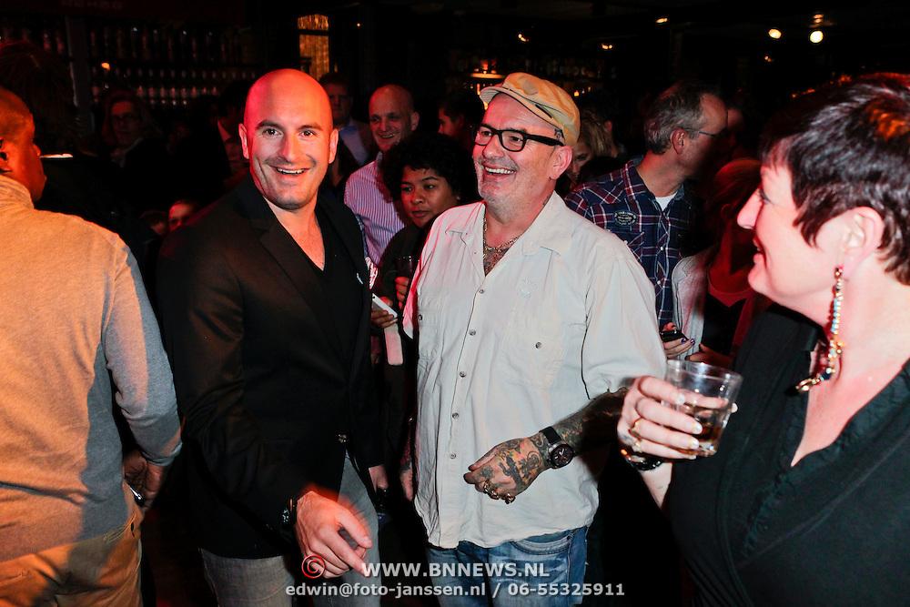 NLD/Amsterdam/20111207- Presentatie Rehab schoenen van Ben Saunders, Dean Suanders en zijn ouders