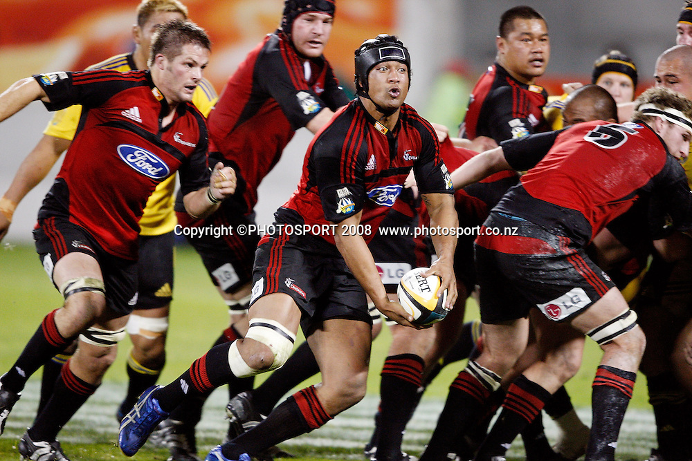 Mose Tuiali'i looks to pass. Crusaders v Hurricanes. Super 14 Semi-Final rugby. AMI Stadium, Christchurch, New Zealand. Saturday 24 May 2008. Photo: Martin Hunter/PHOTOSPORT