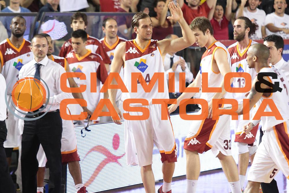 DESCRIZIONE : Roma Lega A 2012-2013 Acea Roma Montepaschi Siena finale gara 1<br /> GIOCATORE : Lorant Peter<br /> CATEGORIA : esultanza<br /> SQUADRA : Acea Roma<br /> EVENTO : Campionato Lega A 2012-2013 playoff finale gara 1<br /> GARA : Acea Roma Montepaschi Siena<br /> DATA : 11/06/2013<br /> SPORT : Pallacanestro <br /> AUTORE : Agenzia Ciamillo-Castoria/M.Simoni<br /> Galleria : Lega Basket A 2012-2013  <br /> Fotonotizia : Roma Lega A 2012-2013 Acea Roma Montepaschi Siena playoff finale gara 1<br /> Predefinita :