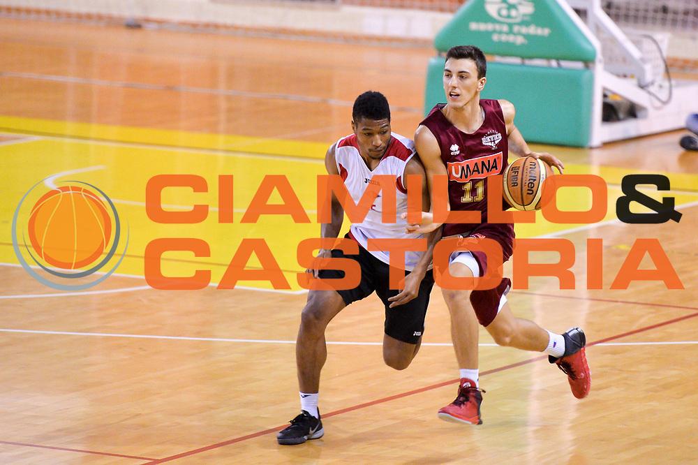 DESCRIZIONE : Viadana Trofeo del 50' esimo Lega A 2014-15 Virtus Roma vs Umana Venezia<br /> GIOCATORE : Bolpin Riccardo<br /> CATEGORIA : Palleggio<br /> SQUADRA : Umana Venezia<br /> EVENTO :Torneo del 50'esimo<br /> GARA : Virtus Roma  vs  Umana Venezia<br /> DATA : 12/09/2014 <br /> SPORT : Pallacanestro <br /> AUTORE : Agenzia Ciamillo-Castoria/I.Mancini<br /> Galleria : Lega Basket A 2014-2015 Fotonotizia : Torneo del 50'esimo Lega A 2014-15 Virtus Roma vs Umana Venezia <br /> Predefinita :
