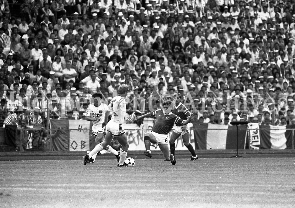 Action from the Ireland v Soviet Union game in the 1988 European Finals, played in Hanover. Picture Jim O'Kelly 15th June 1988.  (Part of the Independent Newspapers Ireland/NLI Collection).