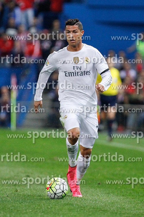 04.10.2015, Estadio Vicente Calderon, Madrid, ESP, Primera Division, Atletico Madrid vs Real Madrid, 7. Runde, im Bild Real Madrid&acute;s Cristiano Ronaldo // during the Spanish Primera Division 7th round match between Atletico Madrid and Real Madrid at the Estadio Vicente Calderon in Madrid, Spain on 2015/10/04. EXPA Pictures &copy; 2015, PhotoCredit: EXPA/ Alterphotos/ Victor Blanco<br /> <br /> *****ATTENTION - OUT of ESP, SUI*****