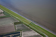 Nederland, Friesland, Gemeente Dongeradeel, 08-09-2009; Zeedijk ten Noorden van Nes met Wierumerwad met landaanwinning bij hoog water.Seawall north of Nes, Wierumerwad with land reclamation at high water.luchtfoto (toeslag); aerial photo (additional fee required); .foto Siebe Swart / photo Siebe Swart