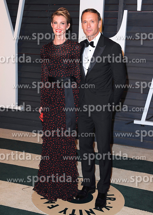 22.02.2015, Wallis Anneberg Center for the Performing Arts, Beverly Hills, USA, Vanity Fair Oscar Party 2015, Roter Teppich, im Bild Faith Hill and Tim McGraw // during the red Carpet of 2015 Vanity Fair Oscar Party at the Wallis Anneberg Center for the Performing Arts in Beverly Hills, United States on 2015/02/22. EXPA Pictures &copy; 2015, PhotoCredit: EXPA/ Newspix/ PGSK<br /> <br /> *****ATTENTION - for AUT, SLO, CRO, SRB, BIH, MAZ, TUR, SUI, SWE only*****