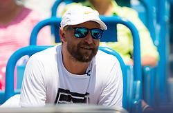 August 18, 2018 - Jiri Vanek watches Petra Kvitova during the semi-final at the 2018 Western & Southern Open WTA Premier 5 tennis tournament. Cincinnati, Ohio, USA. August 18th 2018. (Credit Image: © AFP7 via ZUMA Wire)
