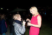 BOTH ACTRESSES AHVE PLAYED THE SAME ROLE: JULIA MACKENZIE; HANNAH WADDINGHAM Press night for Into the Woods. Regents Park Open air theatre. London. 16 August 2010. -DO NOT ARCHIVE-© Copyright Photograph by Dafydd Jones. 248 Clapham Rd. London SW9 0PZ. Tel 0207 820 0771. www.dafjones.com.